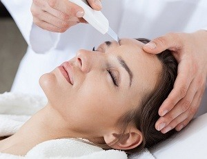 Ultrasonic face cleansing
